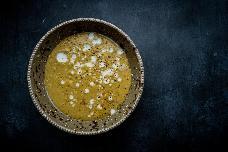 Soupe de carottes rôties au lait de coco et au curry