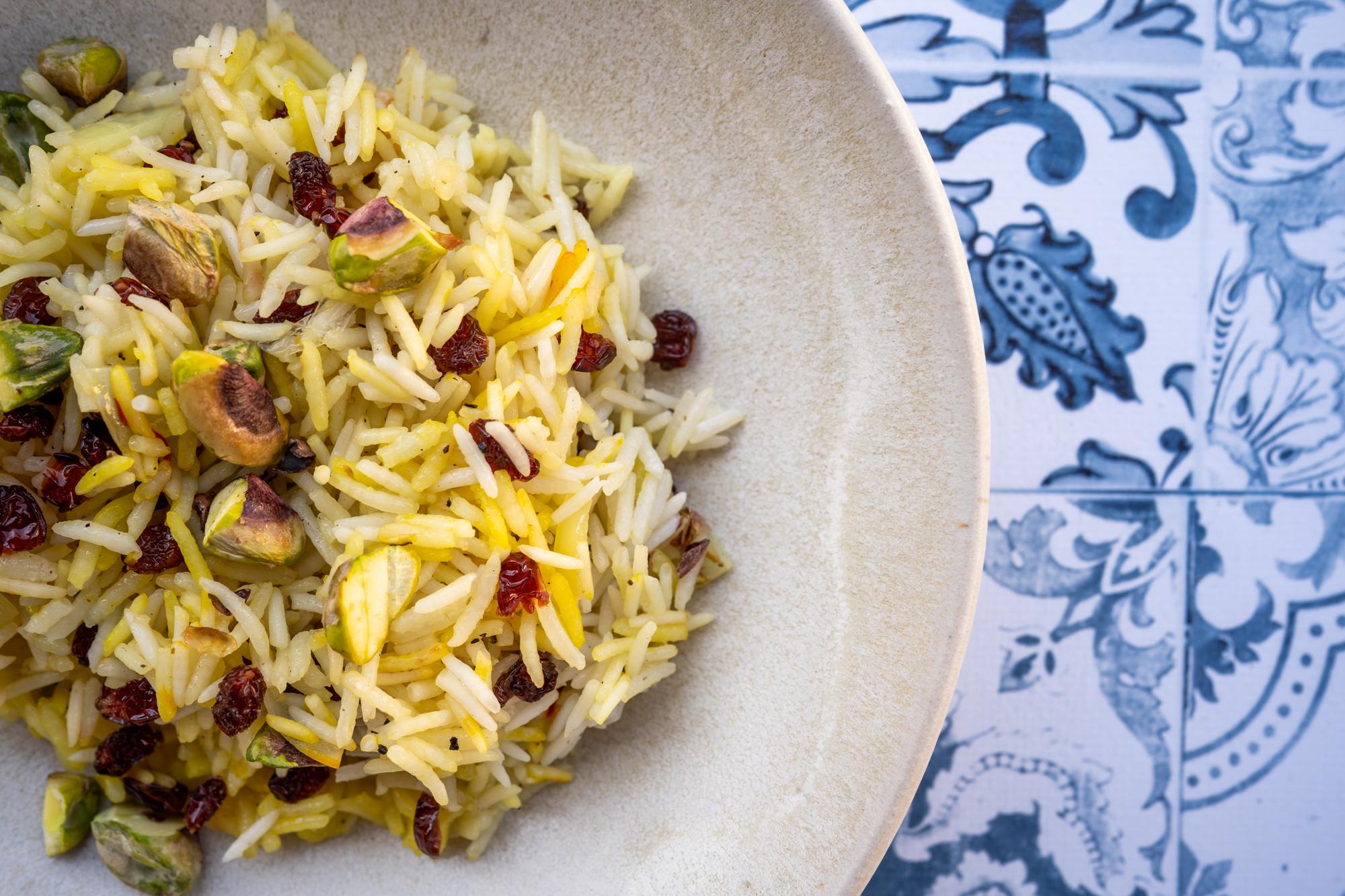 Riz safran pistaches et épines-vinettes